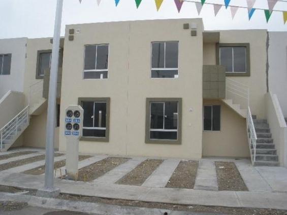 Oportunidad casa nueva en arcos de zirandaro