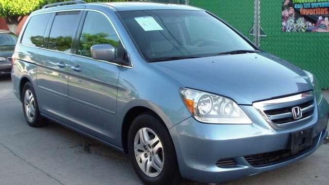 Honda odyssey fact de agencia en impecable estado piel y quemacocos