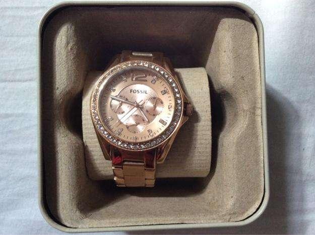 Precio de reloj fossil para dama