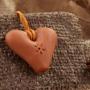 Un colgante silbato en la forma del corazón