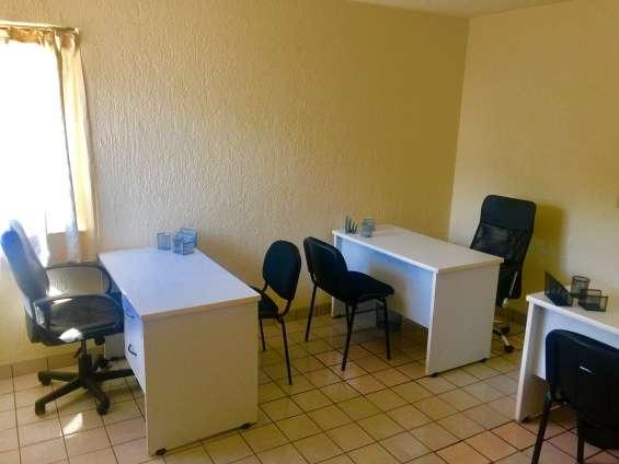 Oficina para 2 y 3 personas en col. chapalita con baño propio $4,500