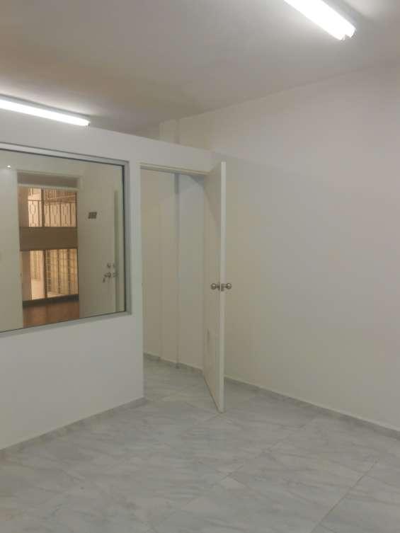 Rento oficina zona loma grande 2709-302-b excelente ubica