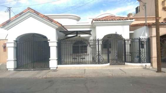 Centrica casa en venta en vista hermosa