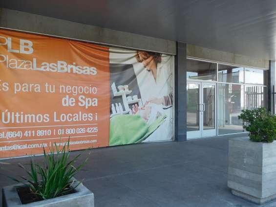 Local comercial en renta 111 m2 en plaza las brisas, tijuana bc.