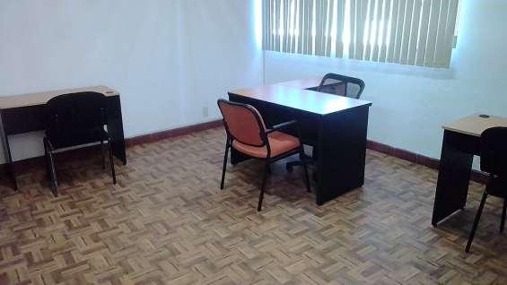 Fotos de Renta de oficina amueblada para 7 personas con servicios 3