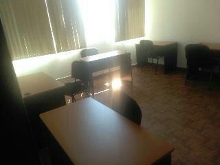 Oficinas con céntricas con servicios y mobiliario